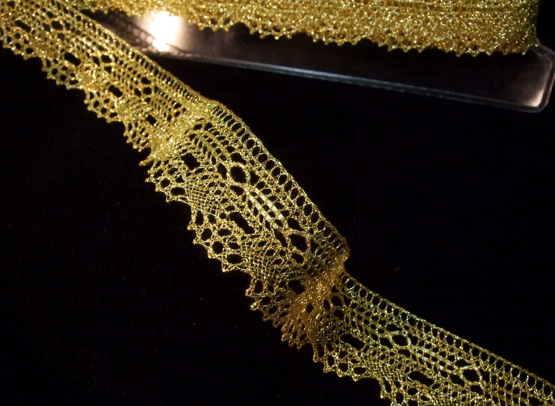 "Gold 1//2/"" wide Vintage 1 Yard of Metallic Braid"